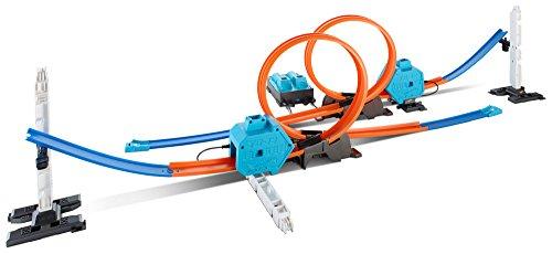 Mattel Hot Wheels DGD30 - Doppel-Booster Powerbahn, Spielbahn