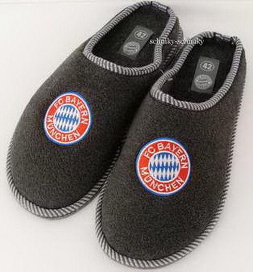 FC Bayern München Pantoffel Puschen Hausschuhe LOGO Gr.30-46 NEU