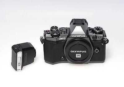 Olympus OM-D OM-D E-M5 II GMT- Limited Edition - gebraucht - ohne Auslösungen