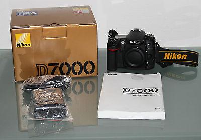 Nikon D D7000 16,2 MP Digitalkamera - Schwarz (Nur Gehäuse)