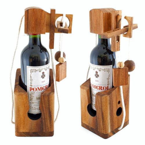 Geschenkidee: Weinflasche im Dont Break the Bottle Holz Puzzle 3D Geduldsspiel