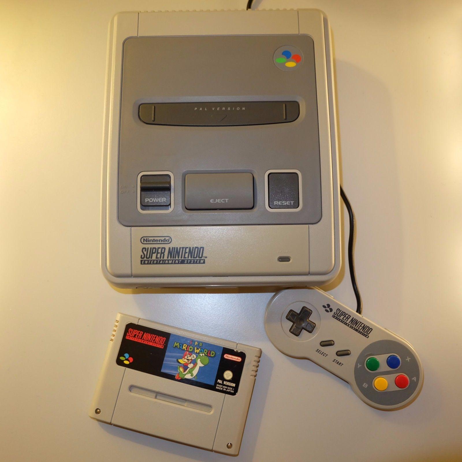 Super Nintendo Konsole mit Super Mario World Spiel SNES Konsole