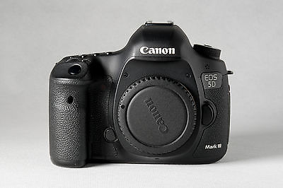 Canon EOS 5D Mark III 22.3MP (Gehäuse) · Zubehörpaket
