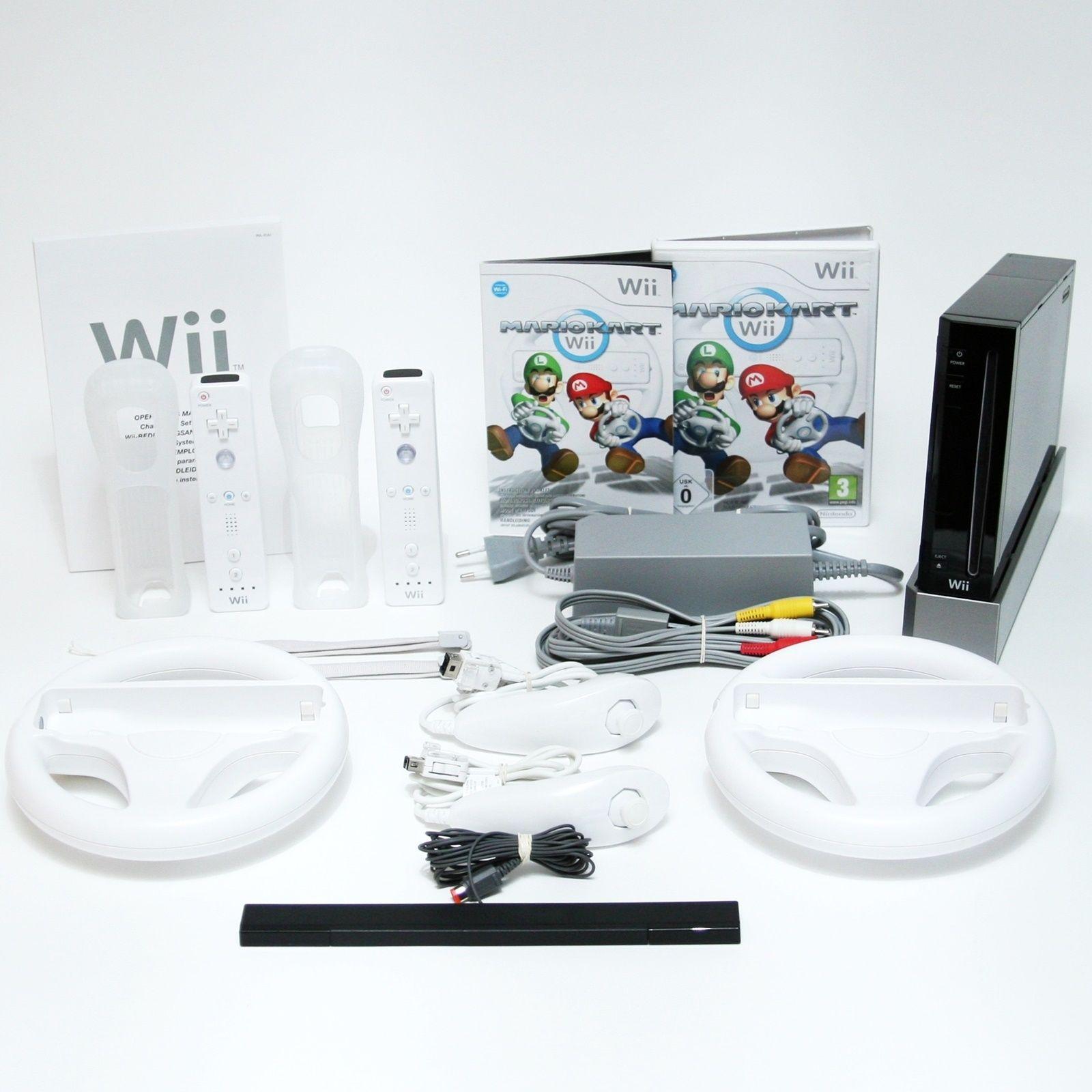 Nintendo Wii Spielkonsole   Mario Kart Pack + 2x Remote & 2 Nunchuk & Lenkrad SW
