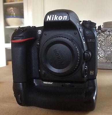 Nikon D D750 24.3MP Digitalkamera mit Batteriegriff - 10619 Auslösungen