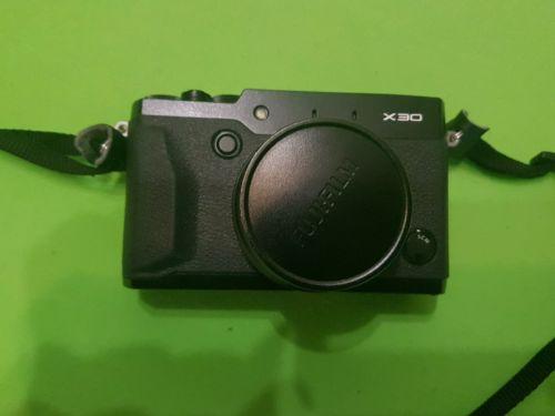 Fujifilm FinePix X Series X30 12,3 MP Digitalkamera - Schwarz (Nur Gehäuse)