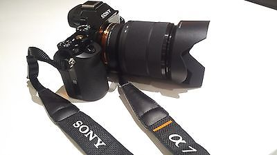 Sony Alpha ILCE-7K 24.3 MP Digitalkamera - Schwarz (Kit m/ FE 28-70mm f/3.5-5.6)