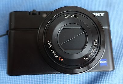 Sony DSC-RX100 Cyber-shot Digitalkamera OVP Zubehörpaket 16GB Speicherkarte