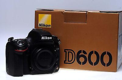 Nikon D600 digitale Profi-SLR Kamera - gebraucht - NUR 1378 Auslösungen!!!