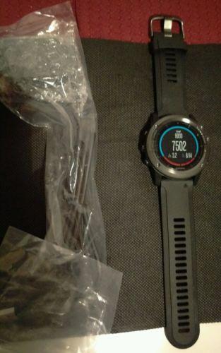 Garmin Fenix 3 Saphir HR GPS Fitness Triatlon Handgelenk-Herzfrequenz - Neu