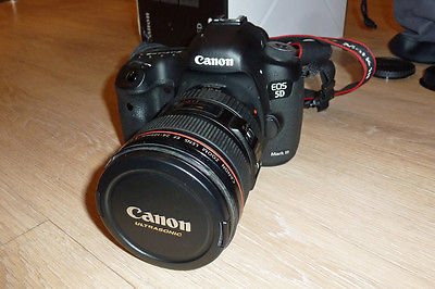 Canon EOS 5D Mark III 22.3MP Digitalkamera - Schwarz (Kit mit EF IS USM...