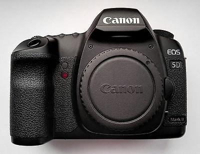 Canon EOS 5D Mark II mit 42.700 Auslösungen Vollformat mit Zubehörpaket