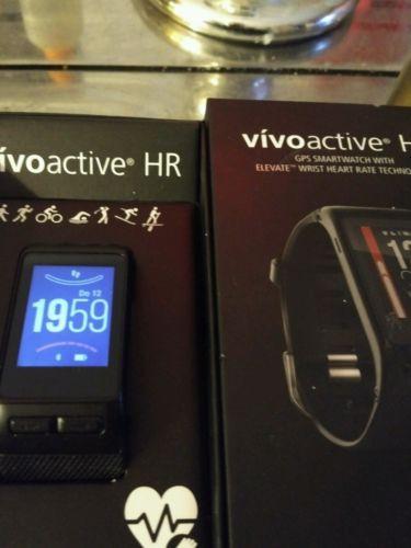 Garmin Vivoactive HR Smartwatch mit Pulsmessung am Handgelenk