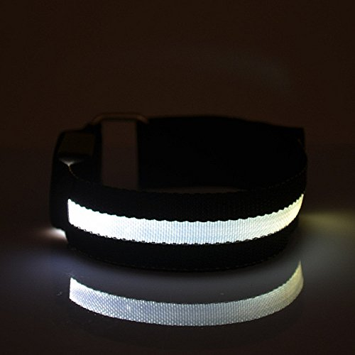 Namsan 4LED-Licht Armband sicher Walking / Laufen Flashing Schweissband, Nacht Radfahren Jogging Reflektierende Armband verstellbaren Visible Outdoor-Enthusiasten Beleuchtung Hip-Hop Performance Props Schwarz