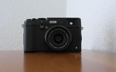 Fujifilm X-Series X100S 16.3MP Digitalkamera - schwarz - NEUWERTIG