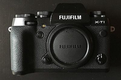 Fujifilm X series X-T1 16.3MP Digitalkamera - Schwarz incl. FUJIFILM VG-XT1