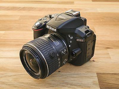 Nikon D5300 DSLR Kit inkl. Nikkor AF-S DX 18-55 VR II Objektiv