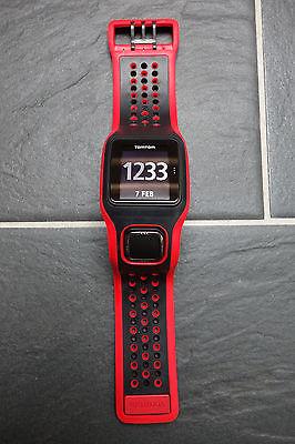 TomTom CARDIO RUNNER rot/schwarz, gebraucht, Herzfrequenzmesser am Handgelenk