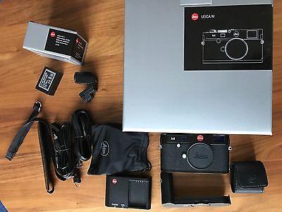 Leica M (Typ 240) - kaum benutzt - Schwarz, inkl. EVF und Handgriff