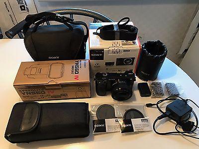 Sony Alpha 6000 Kit / 24.3 MP / SELP1650 / Zubehörpaket