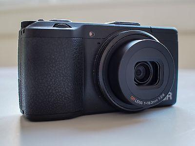 Ricoh GR 16,2 MP Digitalkamera Schwarz mit Zubehörpaket