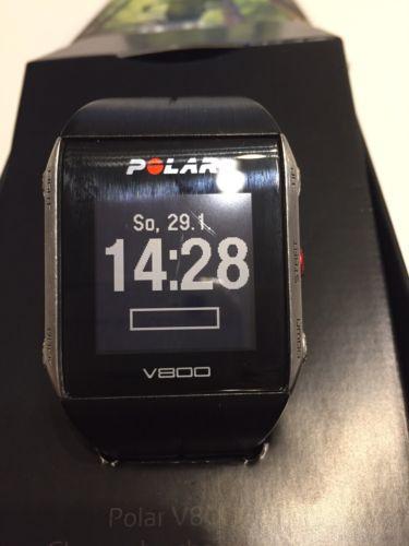 Polar V800 schwarz Laufen GPS Triathlon inkl. NEUEM Gurt & NEUEM Puls-Sensor