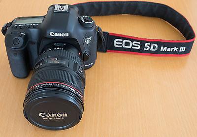 Canon EOS 5D Mark III 22.3 MP DSLR Kamera mit Objektiv EF 24-105mm f/4 L IS USM