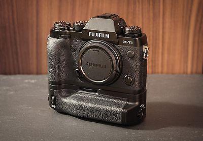 Fujifilm X-T1 Gehäuse (nur ca. 6700 Auslösungen) + VG-XT1 Batteriegriff + OVP