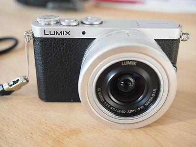 Panasonic LUMIX DMC-GM1 mit 12-32 O.I.S, 14mm 2.5 und Zubehörpaket