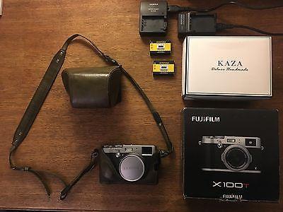 FUJI Fujifilm X100T Digitalkamera - OVP + Zubehörpaket