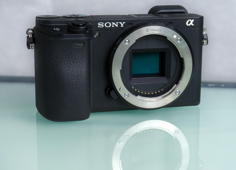Sony Alpha A6300 (Body) + Buch