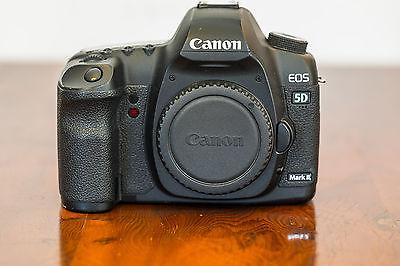 Canon EOS 5D Mark II (Nur Gehäuse) mit BG-E6 Original Canon Batteriegriff