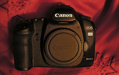 Canon EOS 5D MK II inkl.BG E6 -TOP Zustand- mit 8626 Auslösungen