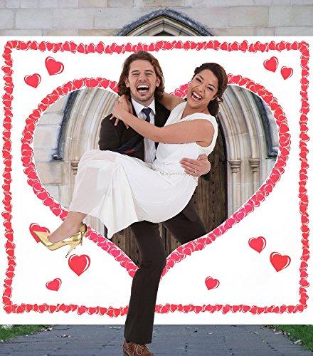 Hochzeitsherz zum Ausschneiden für das Brautpaar. Komplettset PORTOFREI: Laken zum Ausschneiden mit Herzmotiv inkl. 2 Scheren. Braut & Bräutigam schneiden das Herz aus und durchschreiten das Stoffherz.