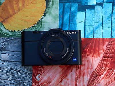 Sony Cyber-shot DSC-RX100 II 20.2 MP Digitalkamera - Schwarz