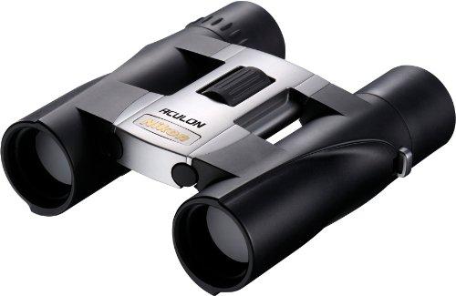 Nikon Aculon A30 8X25 Fernglas (8-fach, 25mm Frontlinsendurchmesser) silber