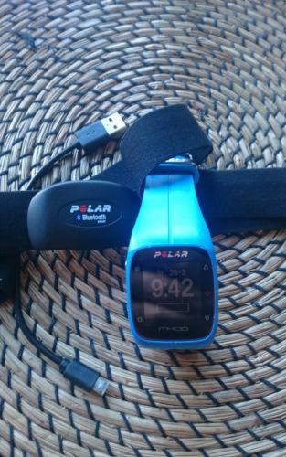 Polar M 400 GPS-Laufuhr inklusive Brustgurt blau