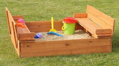 Sandkasten mit Deckel und Sitzbänken - NEU 100 x 100