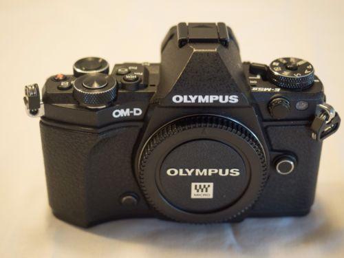 Olympus OM-D E-M5 Mark II - Schwarz / Black  Nur Gehäuse /  Body Only