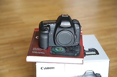 Canon EOS 5D Mark II SLR Gehäuse Body (21,1 MP Vollformat) nur 13.500 Auslöser