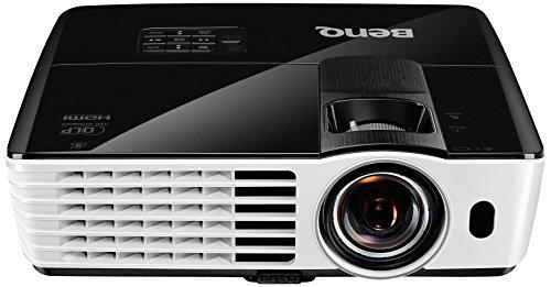 BenQ TH682ST Kurzdistanz 3D DLP-Projektor (3D 144Hz Triple Flash, Full HD 1920x1080 Pixel, Kontrast 10.000:1, 3.000 ANSI Lumen, HDMI, Lautsprecher) schwarz