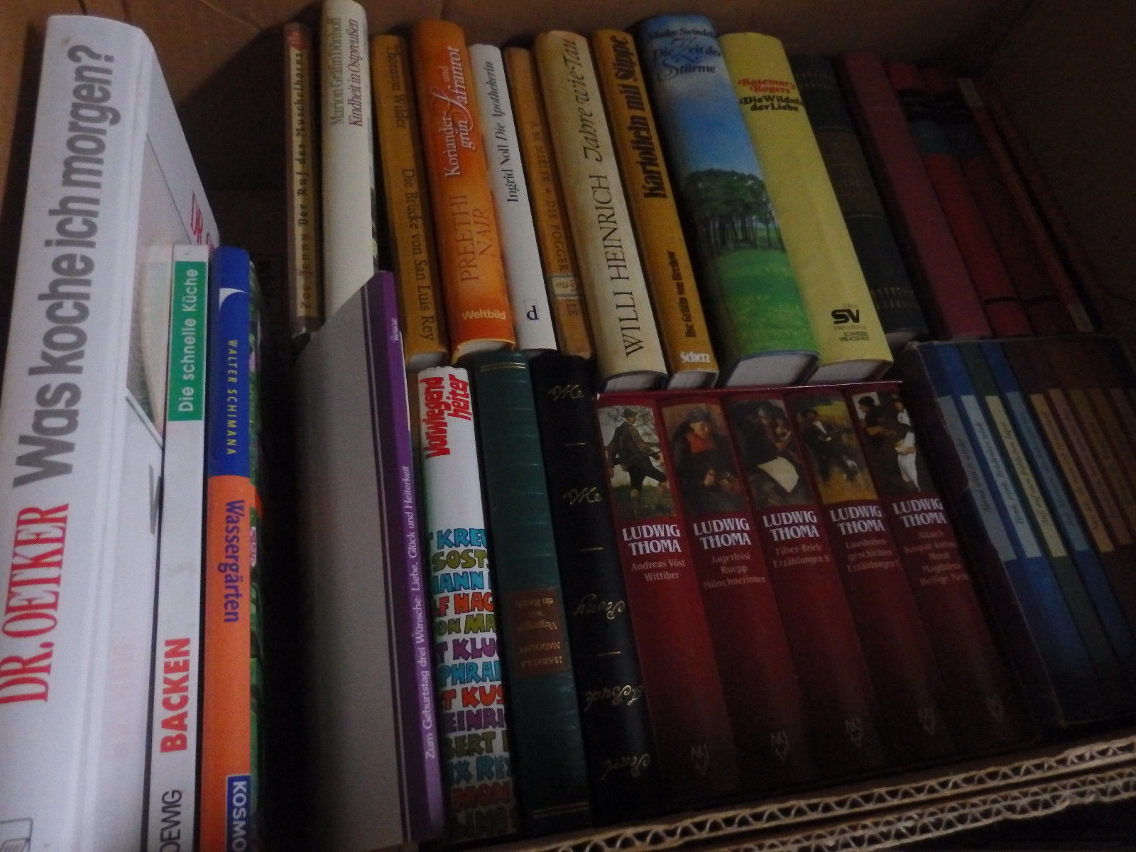 Weit über 200 Bücher aus Erbschaft Klassiker gebundene seltene usw.