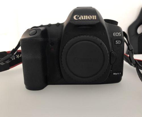 Canon EOS 5D Mark II SLR Digitalkamera 21.1 MP nur Gehäuse