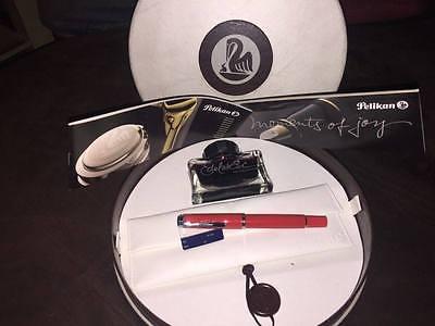 Pelikan ROT M205  in BOX
