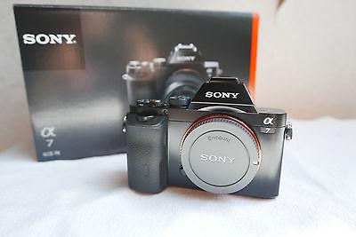 Sony Alpha 7 - ILCE-7 - 24.3 MP Vollformat Systemkamera - nur Gehäuse - wie neu