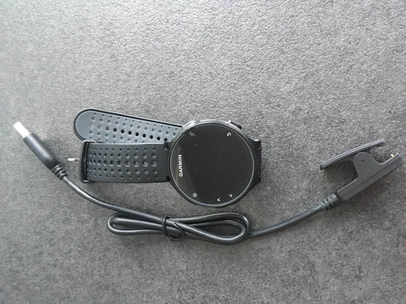 Garmin Forerunner 235 schwarz mit Ladekabel 1 Jahr alt