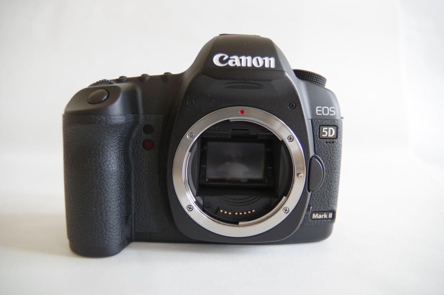 Canon EOS 5D Mark II Gehäuse / Body, nur 8958 Auslösungen