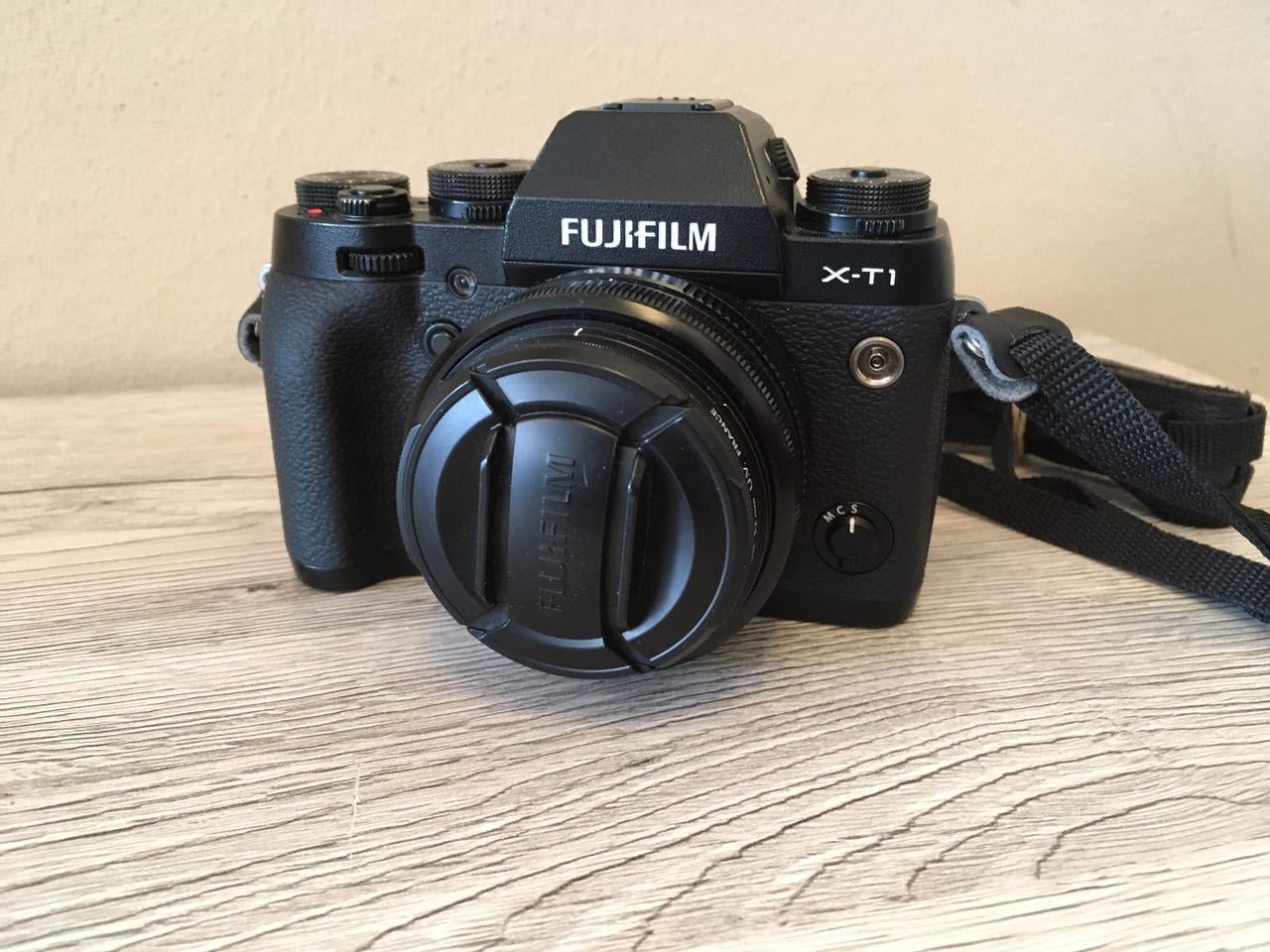 Fujifilm X-T1 Systemkamera *** Objektiv Fujinon XF 18mm F2 R *** 16,3 Megapixel