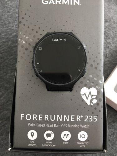 Garmin Forerunner 235, inkl 2 Wechselarmbänder & Running Dynamics Pod