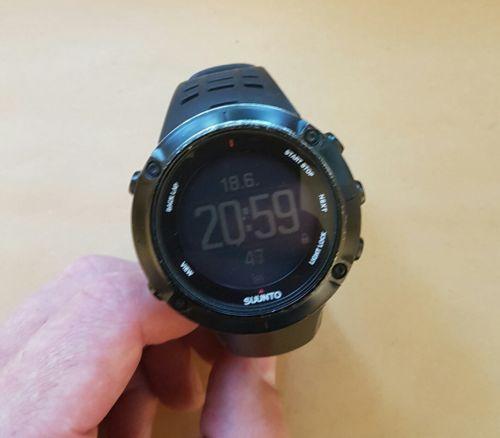 Suunto Ambit 3 Peak HR Uhr GPS schwarz Herzfrequenz TOP